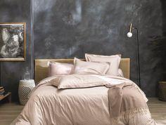 Satin 100% coton disponible jusqu'en dim. 240/240 cm Comforters, Blanket, Bed, Furniture, Home Decor, Boutique, Budget, White Bed Linens, Bed End