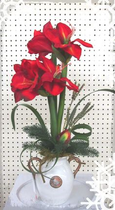Christmas Amaryllis arrangement.  Michael s Arts & Craft Bridgewater Falls - OHIO