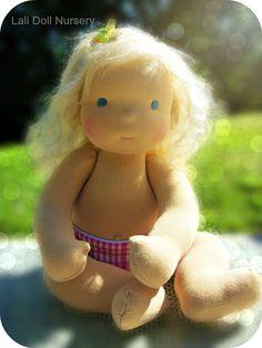 PDF Pattern Jointed Waldorf Pacifier Baby Doll par LaliDolls