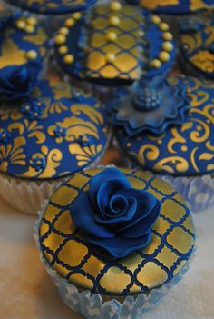 1000 Images About Royal Blue And Gold Stencilled Cupcakes