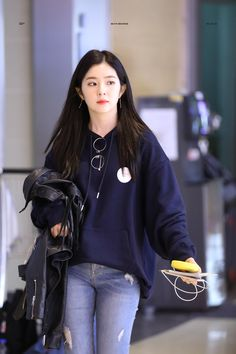Rv- irene airport style uploaded by babs on we heart it Seulgi, Kpop Outfits, Korean Outfits, Casual Outfits, Kpop Fashion, Girl Fashion, Fashion Outfits, Korean Fashion Styles, Moda Kpop