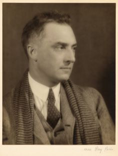 William Carlos Williams 1924 American poet medical degree from the University of Pennsylvania School of Medicine. William Carlos Williams, History Of Photography, Portrait Photography, Social Art, Writers And Poets, American Poets, Man Ray, Romance Novels, In This World