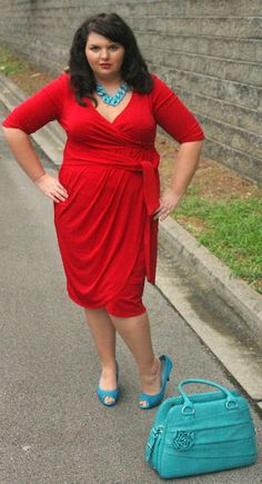 Hems for Her Trendy Plus Size Fashion for Women: Color Clashing: Red and Turquoise
