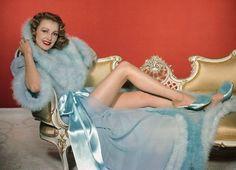 Virginia Grey Hollywood Starlet & Pin Up Glamour Vintage, Glamour Hollywoodien, Lingerie Vintage, Vintage Beauty, Vintage Fashion, Blue Lingerie, Pretty Lingerie, Women Lingerie, Hollywood Vintage