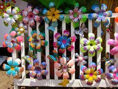 September 2014 – Rewired and Retired in Nicaragua Plastic Bottle Flowers, Reuse Plastic Bottles, Plastic Bottle Crafts, Recycled Bottles, Plastic Spoons, Plastic Art, Soda Can Crafts, Diy And Crafts, Crafts For Kids