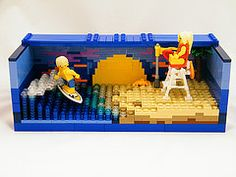 Beach scene with minifigures.