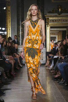 عرض أزياء اميليو بوتشي لربيع صيف ٢٠١٥ بميلانو