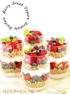 Berry Greek Yogurt Granola Parfait