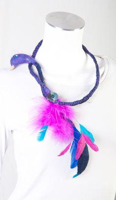 Drôle d'oiseau en bijoux collier  feutre par ArianeMariane sur Etsy, €95,00