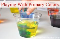 Primary Colors Preschool Craft using colored ice cubes. I absolutely love this idea! Great interactive way to introduce primary colors in a hands on approach.