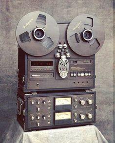 Technics RS-1800 #reeltoreal #reeltoreeltape #technics #technicsrs1800 #reel #speakers #speakerstereo #speakersystem #hifidelity #oldschool #audiovintagecollection #audiovintage #audio #vintage #audioretro #retroaudio #music #sound #quality #amplifier #hifiaudio #hifiporn #audiovintageworld #audiogear #vintageaudio #vintagestereo #audiosystem #analog via @audio_vintage_world
