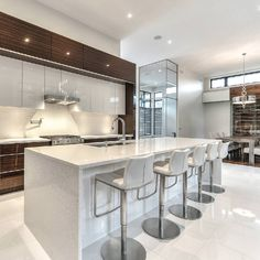 Browse Photos Of Kitchen Designs Find The Best Kitchen Design Ideas Kitchen Design Ideas Inspiration And Decor Luxury Kitchen Design, Best Kitchen Designs, Beautiful Kitchens, Cool Kitchens, Decor Interior Design, Interior Decorating, Small Kitchen Storage, Kitchen Gallery, Kitchen Hardware