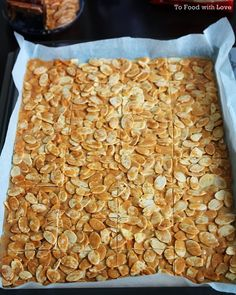 To Food with Love: Almond Crisps (Almond Brittle) Almond Brittle, Peanut Brittle, Candy Recipes, Cookie Recipes, Dessert Recipes, Almond Cookies, Seed Cookies, Florentine Cookies, Florentines Recipe