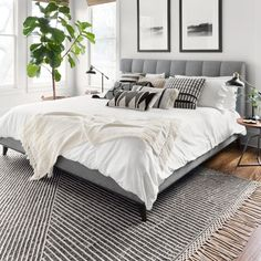 25 Cozy Bedroom Decor Ideas that Add Style & Flair to Your Home - The Trending House Cozy Bedroom, Home Decor Bedroom, Bedroom Furniture, Bedroom Brown, Bedroom Plants, Bedroom Romantic, King Bedroom, Bedroom Ceiling, Bedroom Lighting