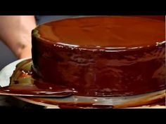 How To: Glazing from Decadent Chocolate Cakes with Alice Medrich. Click: http://www.craftsy.com/ext/Pinterest_64_1