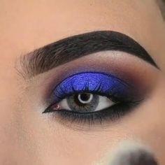 Blue Eyeshadow Makeup, Smoke Eye Makeup, Purple Eye Makeup, Eye Makeup Steps, Makeup Eye Looks, Colorful Eye Makeup, Eye Makeup Art, Eyebrow Makeup, Blue Eyeshadow For Brown Eyes