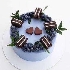 Oreo is synonymous with global chocolate-flavored biscuits. The recent Oreo + cake combination is very popular! Not only enrich the shape of the cake, but Cupcakes, Cake Cookies, Cupcake Cakes, Dad Cake, Disney Desserts, Cookie Cake Birthday, Oreo Cake, Cake Decorating Techniques, Drip Cakes