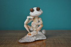 Seashell Frog by BCSeaShells on Etsy