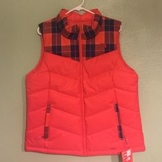 New The North Face Vest New with tags The North Face plaid 550 goose down insulated puffer vest size L. North Face Jackets & Coats Vests