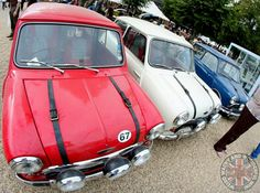 The Ultimate Red White & Blue Mini combo. The Italian Job Coopers S' & looking flippin stunning too I must add.