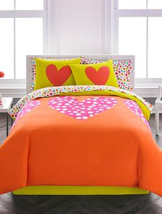 Polka Heart Mini Comforter Set by Spanish Designer Agatha Ruiz de la Prada. Cute Bedding, Best Bedding Sets, Designer Bed Sheets, Queen Comforter Sets, Teen Girl Bedrooms, Dream Bedroom, Bed Covers, Bed Spreads, Girl Room