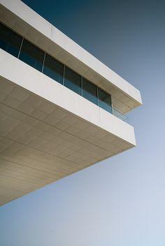 Valencia, Velas y Vientos building (Fly by derkeNuke on Flickr).