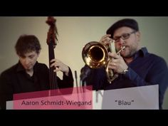 Der Berliner Jazz-Trompeter Aaron Schmidt-Wiegand spielt entspannten Jazz zum Zuhören, zur Ruhe kommen und Genießen. Sein warmer und manchmal rauchiger Trompetenklang steht im Mitttelpunkt seiner Kompositionen.