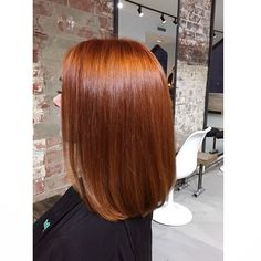 A beautiful copper for a beautiful lady // #ilove #copper #copperhair #fun #hairenvy #hairinspo #soshiny #edwardsandcomelbourne… Copper Bob Hair, Auburn Hair Copper, Golden Copper Hair, Short Auburn Hair, Red Hair Inspo, Hello Hair, Red Hair Color, Dye My Hair, Shiny Hair