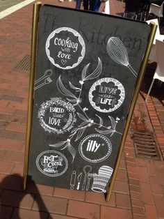 Horeca terrasbord krijtbord stoepbord reclame marketing en stopkracht! Chalkboard