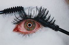 Mascara Wars, New York Irving Penn, Richard Avedon, Beauty Shoot, Beauty Art, Bloodshot Eyes, Vogue Photo, Lipstick Art, Morris, Portraits