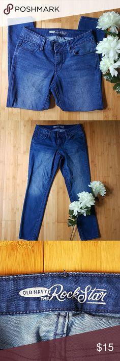 Old Navy Rockstar jeans Cute old Navy Rockstar jeans, perfect condition. Smoke and pet free. Old Navy Jeans Ankle & Cropped
