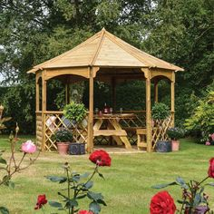 Rowlinson Buckingham Wooden Gazebo