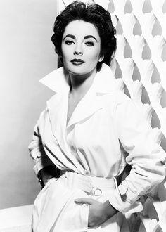 Elizabeth Taylor (Hampstead, England, February 27, 1932 – Los Angeles, USA, March 23, 2011)