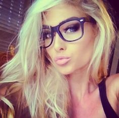 Blonde and glasses! Want to be a platinum blonde this spring