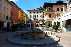 Piazza delle Erbe a Riva del Garda http://www.italianlakestours.com/cosa-fare-e-cosa-vedere-riva-del-garda/