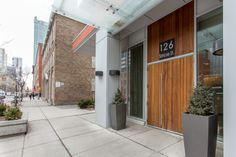 126 Simcoe Street - Resale Condos - Investment Condos - Renovated