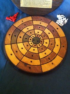It's nice to see Ringo, an interesting German game of strategy, being made available. Old Board Games, Diy Games, Card Games, Woodworking, Handmade Gifts, German, Vintage, Nice, Etsy