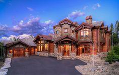 Mountain home. Beautiful house #exterior ©hdrhomes