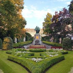Brussels hidden gems... Enjoy wandering around the Belgium capital and discover this peaceful park for example.