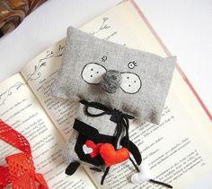 El Gato Valentino de Krize es perfecto para acompañar a cualquiera en las tardes de lectura