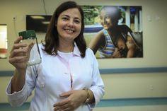 Um simples vidro de café solúvel ou maionese, que na maioria das vezes é jogado no lixo, serve para ajudar a salvar inúmeras vidas na Santa Casa de Misericórdia do Pará, em Belém. São nessas embalag...