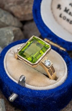 6.5 Carat Peridot Ring w/ Diamond Accents in 18K Yellow Gold. Sku RD17710. Diamond Shapes, Diamond Cuts, Peridots, October Birth Stone, Cocktail Rings, Things To Buy, Boho Chic, Bling, Engagement Rings