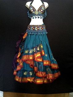 Beautiful Embroidered Aishwarya Skirt Teal - Magical Fashions >>That skirt is awesome Belly Dance Outfit, Belly Dance Costumes, Belly Dance Bra, Belly Dance Skirt, Costume Tribal, Dance Outfits, Cool Outfits, Tomboy Outfits, Dancing Outfit