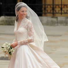Kate Middleton's wedding dress: A closer look at the Alexander McQueen creation