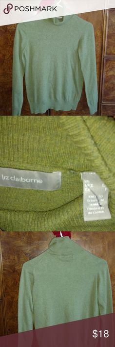 Liz Claiborne Olive Green Long Sleeve Size Small Olive Green turtle neck Size small 83% cotton 17% cashmere EUC Liz Claiborne Sweaters Cowl & Turtlenecks