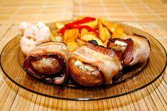 Šampiňóny plnené nivou • recept • bonvivani.sk Snack Recipes, Snacks, Turkey, Meat, Food, Snack Mix Recipes, Appetizer Recipes, Appetizers, Turkey Country