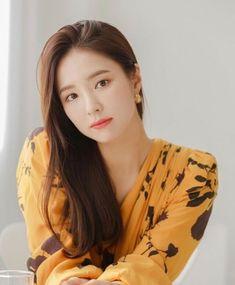 Shin Se Kyung, The Body Shop, Real Beauty, Asian Beauty, Kim Tae Hee, Best Photo Poses, Female Eyes, Female Stars, Korean Actresses