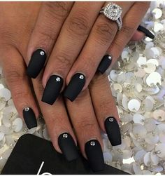 Black Diamond Nail Design