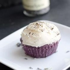 #201644 - Lavender Cupcakes with Earl Grey Icing