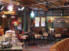 Realismo simbólico (Escenografía de Friends, restaurante)